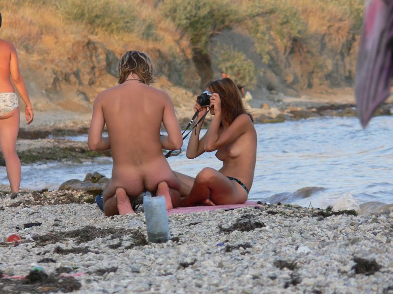 фото нудийский пляж срытоя видио камера