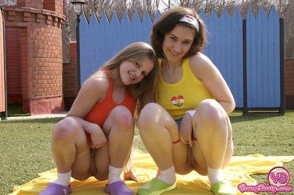 Порно видео дочка в трусах