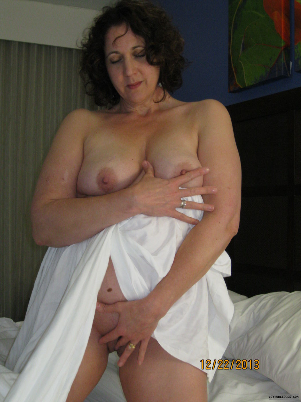 Amateur wife shared anal porn